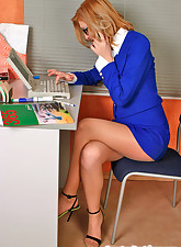 milf in pantyhose pics