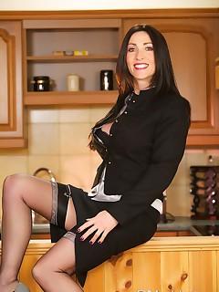 soccer mom in stockings pics