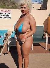 milf in pool pics