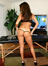 Hot Wife Rio pic 4