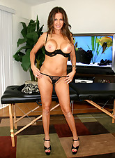 Hot Wife Rio pic 7