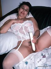 Dirty Wives Exposed pic 5