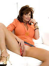 MILF Lessons pic 2