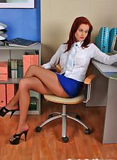 Secretary Pantyhose pic 2