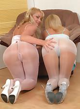 Panty Moms pic 5