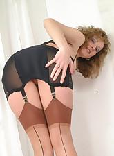 Panty Moms pic 8