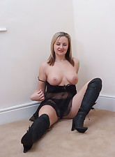 Fetish Wives pic 7