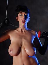 Alia Janine Uncensored pic 3
