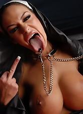 Angelina Valentine pic 5