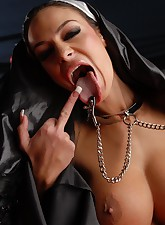 Angelina Valentine pic 6