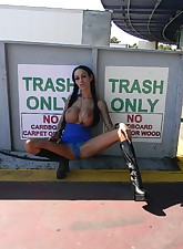 Angelina Valentine pic 3