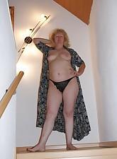 Fat Amateur MILF pic 5