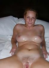 Fat Amateur MILF pic 7