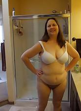 Fat Amateur MILF pic 6