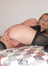 Toy Time MILF pic 8