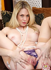 Mommy Blows Best pic 9