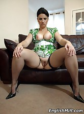 English MILF pic 12