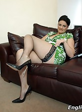 English MILF pic 7