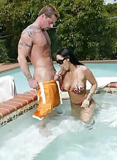 Pool MILFs pic 3
